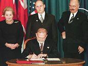 Česká republika, Polsko a Maďarsko jako první tři země bývalé Varšavské smlouvy vstupují do NATO, 12. 3. 1999.