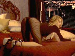 Carmen Electra se na svém novém DVD nechala poněkud unést
