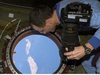 Vánoce - posádka ISS novoroční pohled 2003 na Kanárské ostrovy