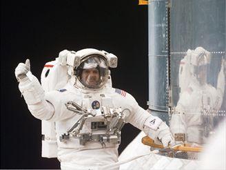 Vánoční výstup při STS103