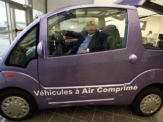 Guy Négre a jeho auto na stlačený vzduch