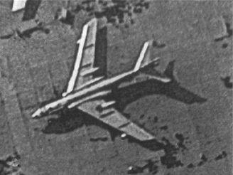 Čínský bombardér z družice KH 12