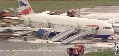 Boeing British Airways po nouzovém přistání na Heathrow