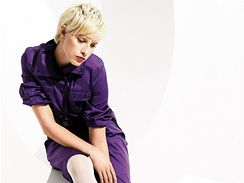 Všechny tóny fialové