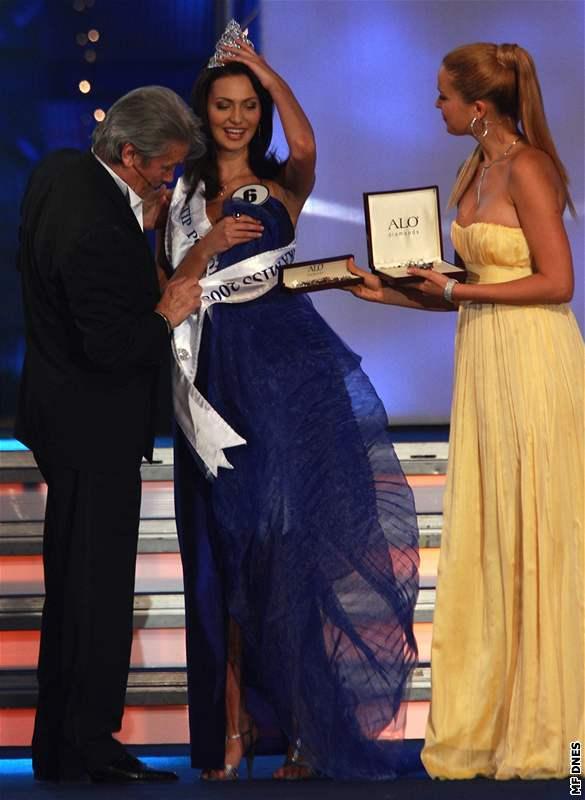 Česká Miss Eliška Bučková s Alainem Delonem a Petrou Němcovou
