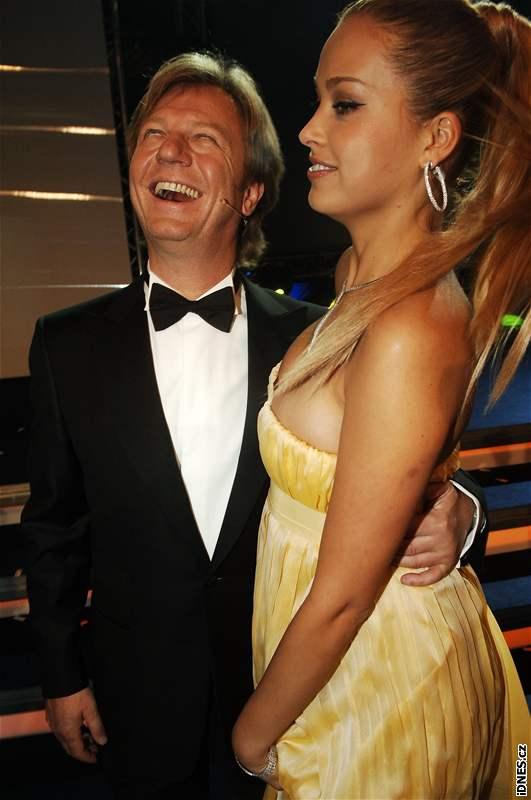Maroš Kramár a Petra Němcová na večírku po finále České Miss 2008