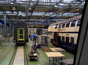 Po švýcarských kolejích se prohání dvoupodlažní Desiro z Česka