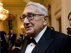 Henry Kissinger na večírku v Bílém domě, 14. února 2008.