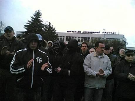 Ú�astníci pochodu neonacist� Plzní