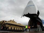 Armáda poprvé nasazuje v Afghánistánu těžkou techniku