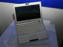 Nov� ASUS Eee PC 900