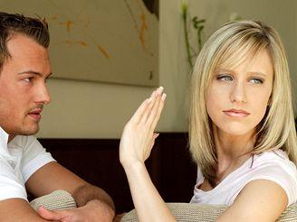 Čím déle vztah trvá, tím víc máme důvodů k negativním pocitům.