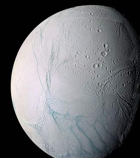 Saturnův měsíc Enceladus
