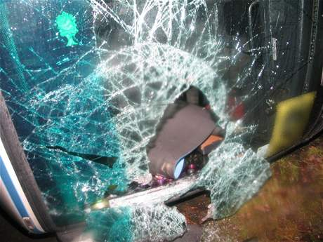 No�ní havárie autobusu v obci Babylon