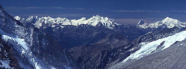 Bernské Alpy Finsteraarhorn