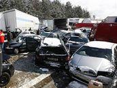 Hromadná nehoda na 100. km D1