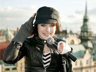 Ewa Farna - natáčení klipu k seriálu Ošklivka Katka