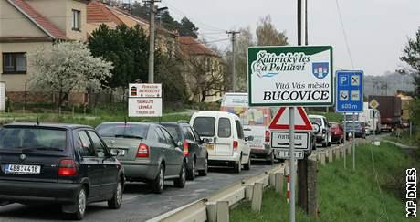 Oprava kanalizace v Bučovicích způsobila komplikace v dopravě