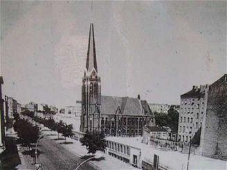 Berl�nsk� ze� - je�t� existuj�c� kostel v p�smu smrti