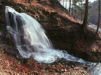 Vodopád v údolí Mohelnice v Beskydech