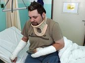 Řidič ostravské tramvaje Petr Hroch v nemocnici