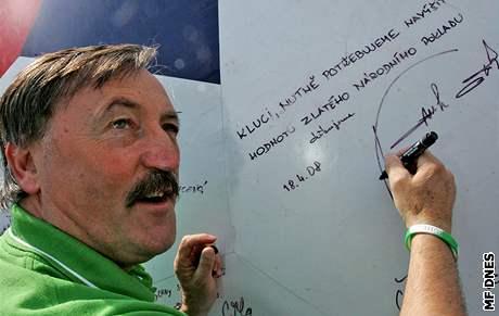 Antonín Panenka píše vzkaz fotbalovým reprezentantům