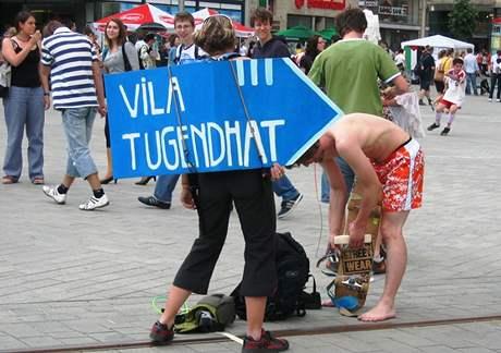 Studentský happening na náměstí Svobody v Brně