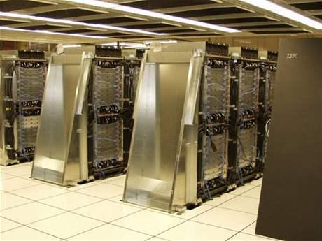 IBM BlueGene/L - nejrychlejší počítač světa