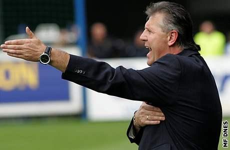 Vrátí se trenér Jozef Chovanec po sedmi a p�l letech k �eské fotbalové reprezentaci?