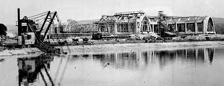 Stavba pavilonu A brněnského výstaviště