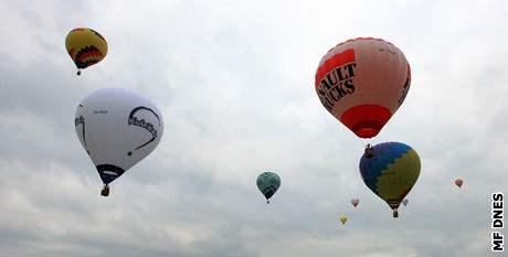 Ballon Jam v Brně. Večer startovaly první balony