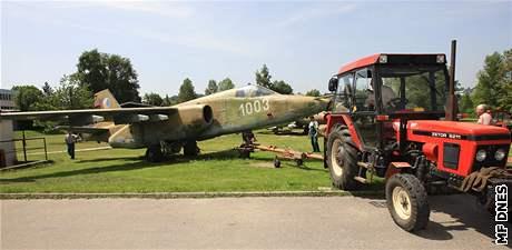 Technické muzeum muselo přestěhovat letouny, které ukazovalo návštěvníkům na pozemku soukromé firmy