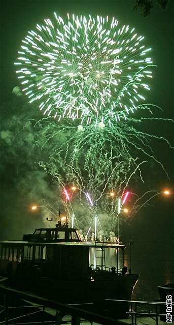 První soutěžní ohňostroj přehlídky Ignis Brunensis 2008