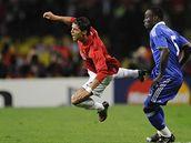 Manchester United - FC Chelsea, Ronaldo (vlevo), Essien