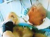 Televize Nova natočila Jiřího Adama, který se zhroutil a leží na ARO břeclavské nemocnice.