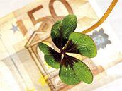 Peníze, euro, čtyřlístek