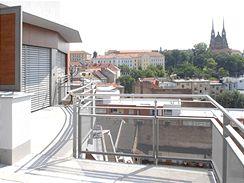 Kontroverzní Anenské terasy, které zastiňují výhled na brněnský Petrov