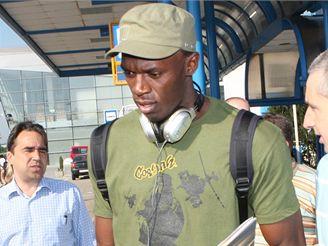 Usain Bolt na ostravském letišti po příletu na mítink Zlatá tretra 2008