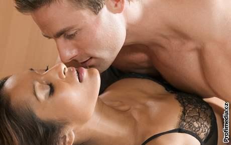 Lidé, kteří začali sexuálně žít příliš brzy, mají později problémy s promiskuitou.