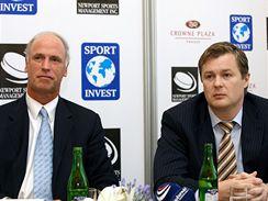Robert Spálenka (vpravo) na společné tiskové konferenci s Donaldem Meehanem