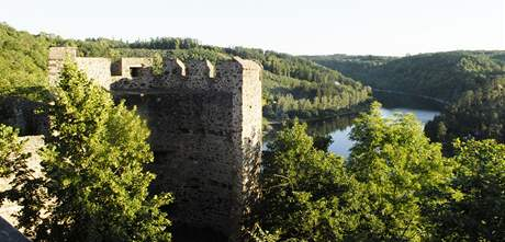 Romantický hrad Cornštejn u Vranovské přehrady