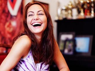 Gabriela Munzarová - kandidátka NEI a její přítel/manažer