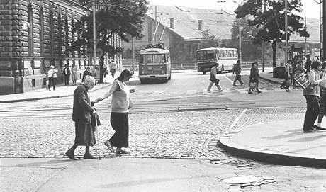 Tak si je Brno pamatuje: Japonky čili Baletky brázdily v 70. letech ulice Brna