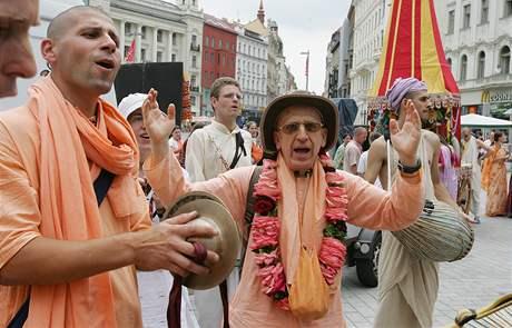 Brnem prošli příznivci hnutí Hare Kršna