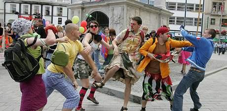 Na brněnské Queer Parade se střetli neonacisté s účastníky pochodu