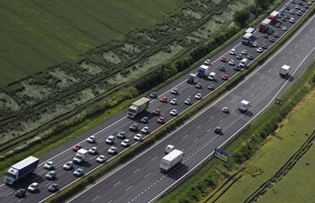Kolona na dálnici D1 (27. června 2008)