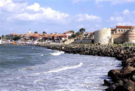 Bulharsko, m�stské hradby v Nesebru