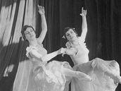 Hana a Jiřina Machatovy na archivním snímku