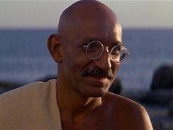 Ben Kingsley jako G�ndh�