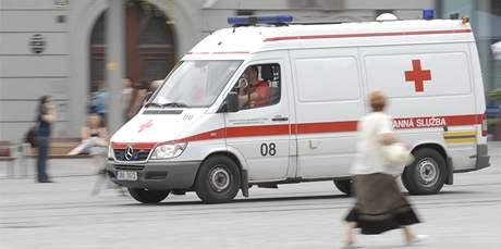 Hádka směnárníků v centru Brna - sanitka odváží pořezaného muže